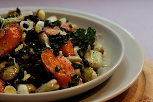 Sałatka sezamowa zczarnym ryżem ibobem fot.2