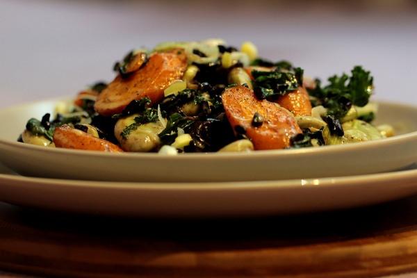 Sałatka sezamowa zczarnym ryżem ibobem fot.3